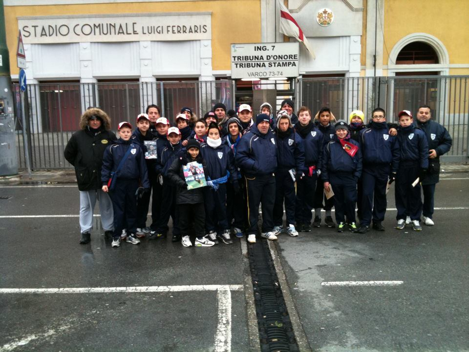 Alessio con la squadra a Genova